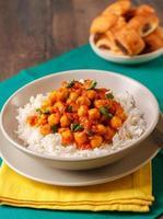 curry de pois chiches au riz basmati photo