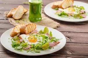 salade d'été légère, smoothie aux herbes