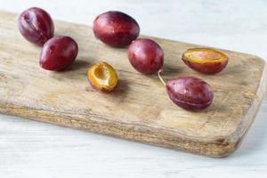 prunes fraîches photo