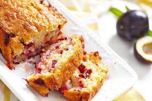 gâteau aux flocons d'avoine et aux prunes