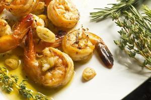 crevettes à l'ail portugais photo