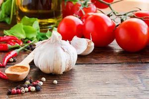 poivre, ail et autres épices