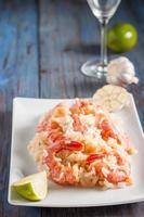 crevettes à l'ail, au citron vert et au riz