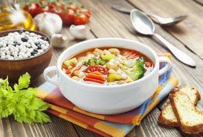 soupe de légumes avec pâtes