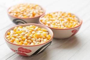 vrac de grains de maïs photo