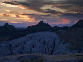 coucher de soleil sur les badlands photo
