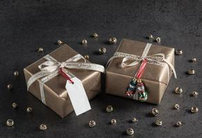 cadeaux de Noël, étiquette cadeau, décorations de Noël, bonhommes de neige photo