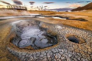 Hverarondor hverir zone géothermique près du lac Myvatn en Islande photo