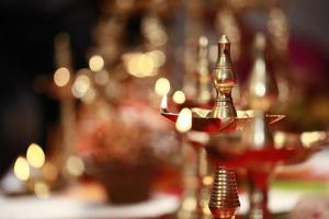 lampe à huile traditionnelle hindoue photo