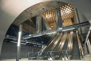 escalator mobile dans le centre d'affaires