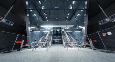 fermé l'escalator dans le centre d'affaires