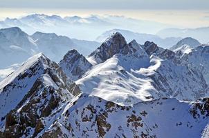 paysage d'hiver de montagne photo