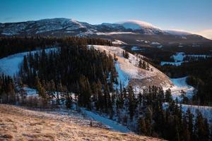 paysage de montagne d'hiver yukon photo