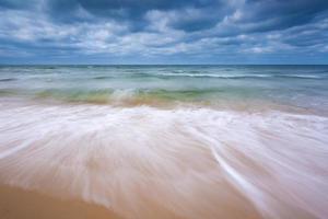 paysage de plage. côte baltique. photo