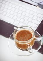 café dans le temps de travail photo