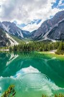 lac de braies photo