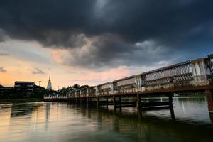 pont du lac photo