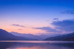 lac phewa, pokhara photo