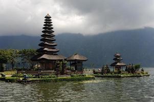temple de pura ulu danau à bedugul photo