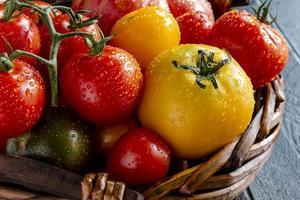 assortiment de tomates patrimoniales fraîches