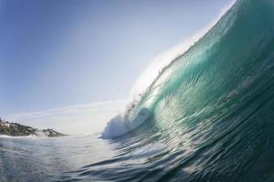 vague à l'intérieur de l'océan photo