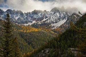 chaîne de montagnes de la cascade nord