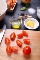 ingrédient pour la soupe de tomates photo
