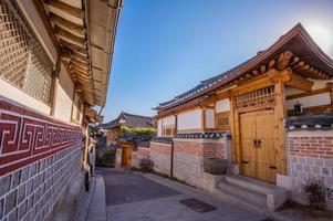 bukchon hanok village, style coréen traditionnel photo