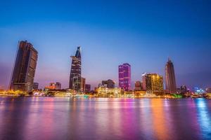 sai gon vietnam skyline paysage la nuit photo