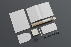 papeterie vierge isolé sur gris photo