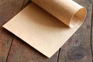 papier sur bois