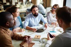 discussion photo