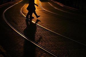 étrangers sur la ligne de tramway