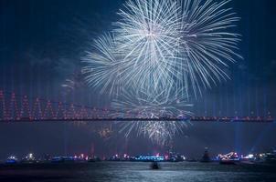 célébration avec feux d'artifice. Istanbul, Turquie