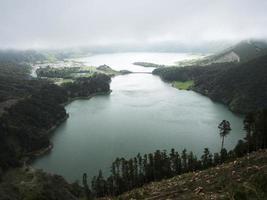 Lac Lagoa Azul, à l'ouest de l'île S.Miguel, aux Açores