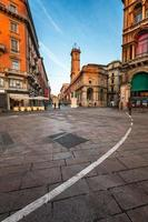 piazza del duomo et via dei mercanti le matin photo