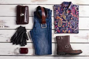 vêtements exclusifs pour hommes. photo