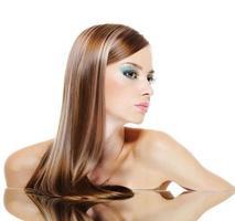 profil visage féminin avec des cheveux de santé photo