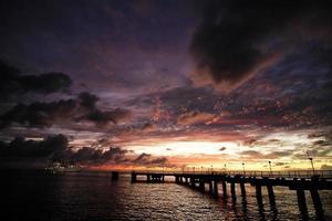 coucher de soleil à roseau photo