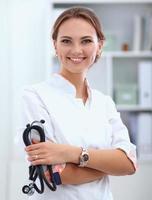 femme, docteur, standingat, hôpital