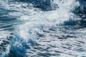 sillage de bateau rapide