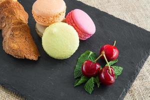 macarons colorés traditionnels français photo