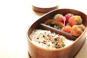 nourriture japonaise, panier-repas maison photo