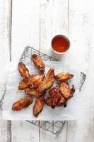 aile de poulet grillée photo