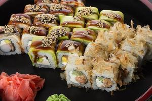 ensemble de sushi photo