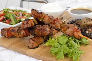 brochettes de porc glacées au barbecue