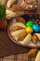 oeufs colorés pour pâques photo