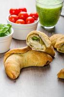 mini calzone aux herbes et au fromage