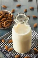 lait d'amande blanche bio
