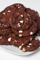 assiette de biscuits de velours rouge